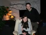 Cheerful Carlie med sin nya familj Jennifer och Andreas
